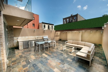 Beautiful One Bedroom in Prime Williamsburg w/ Private Outdoor Patio